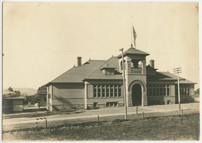 Washington School building