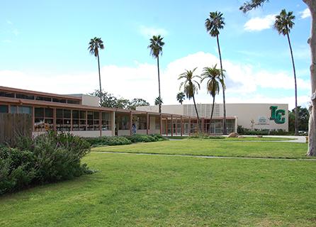 La Colina Junior High School building